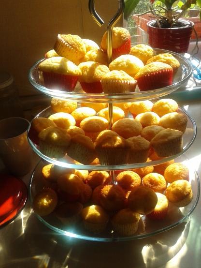Minicupcakes pentru copii să decoreze.