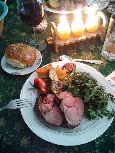 Vițel, legume și salată de pătrunjel