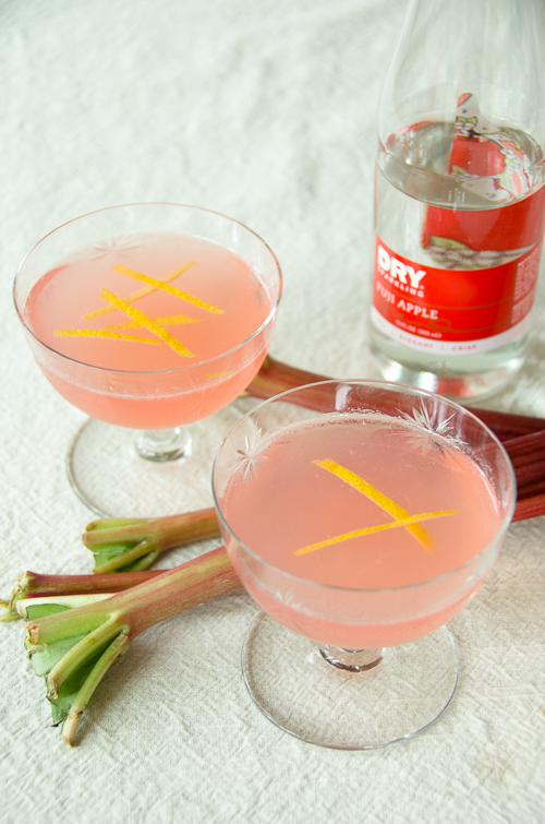 rhubarb-pie-vodka-collins-with-dry-sparkling-fuji-apple-dailywaffle