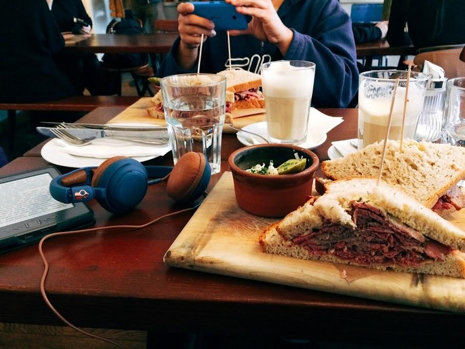Trei mese bune dinBerlin