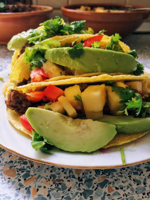 Tacos cu salsa deananas